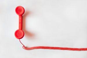 Ein rotes Telefon
